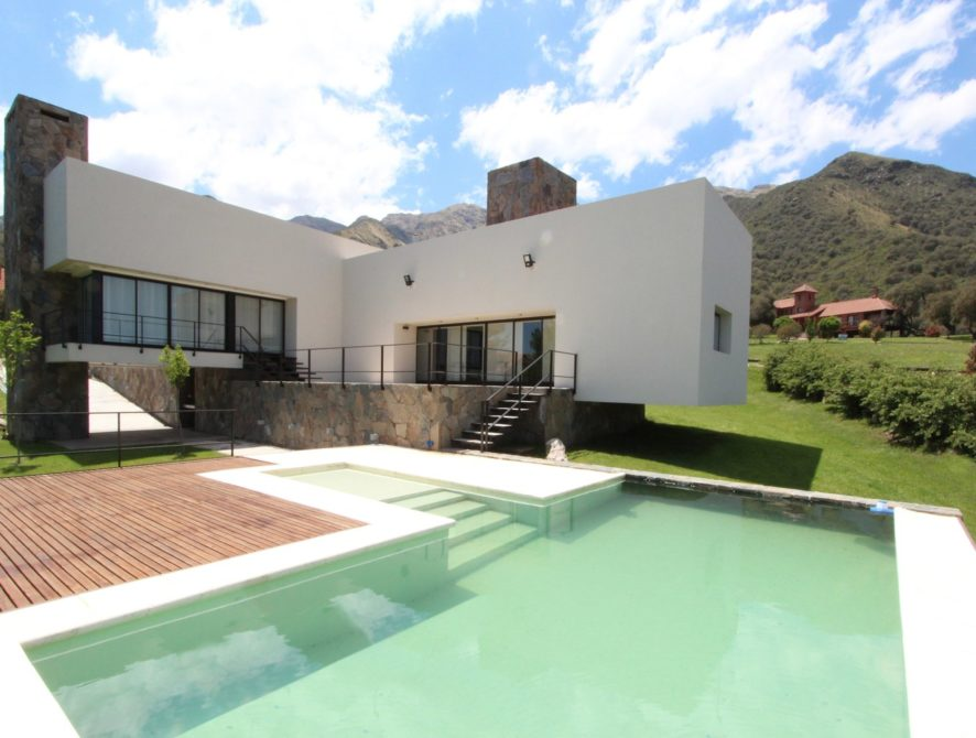Casa mediana estilo minimalista